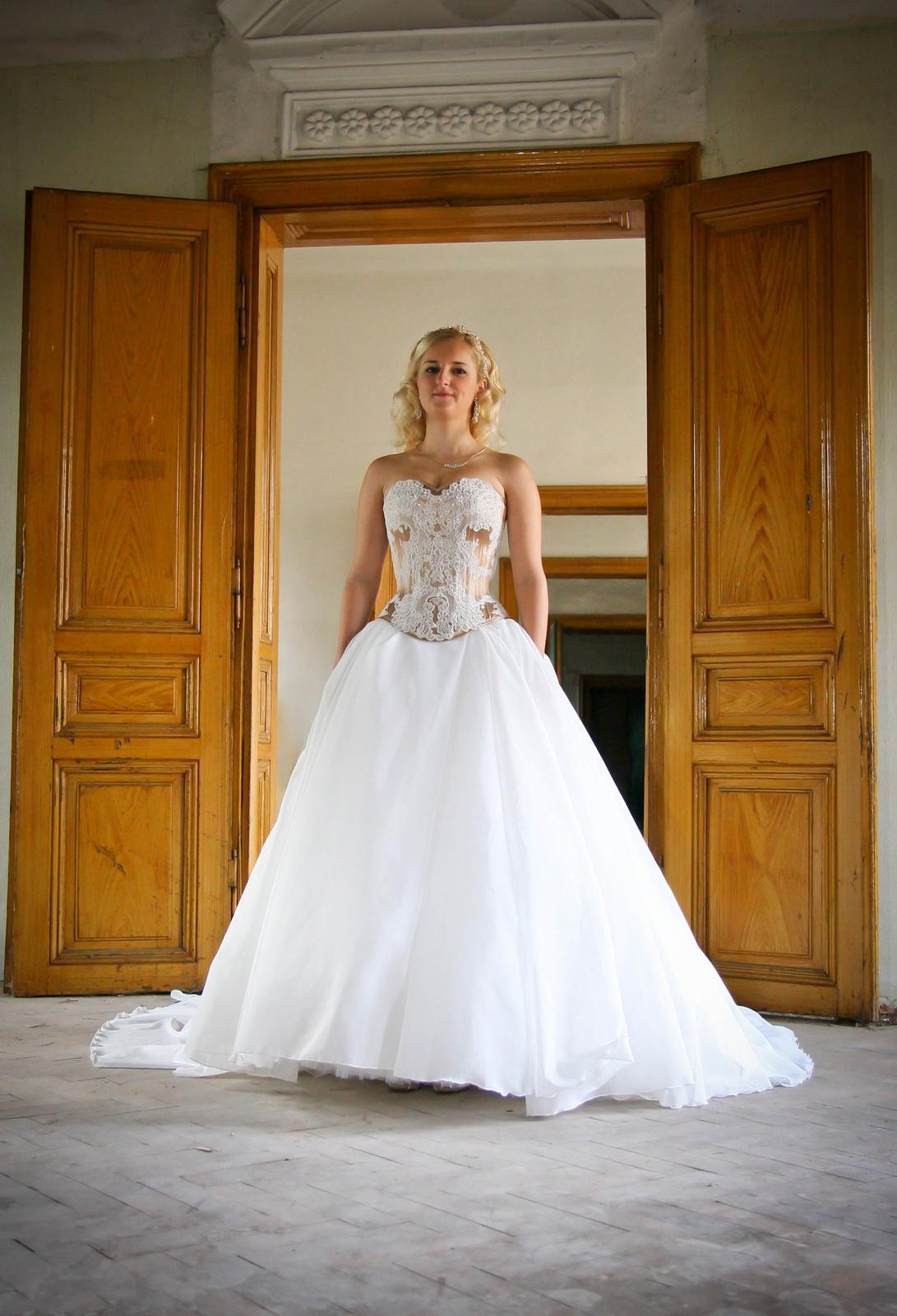 Luxusné svadobné šaty-Zľava - Obrázok č. 2