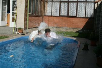 kačeři mají přece rádi vodu :)