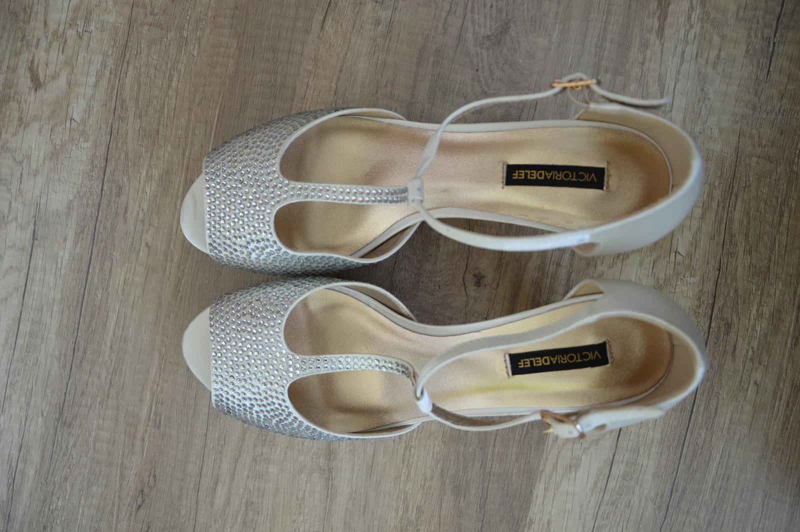 Svatební boty s kamínky - Obrázek č. 3