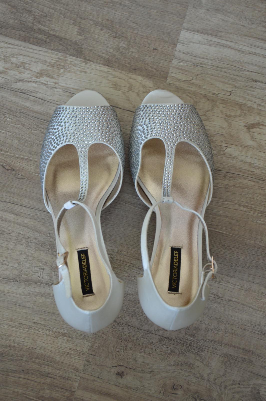 Svatební boty s kamínky - Obrázek č. 2