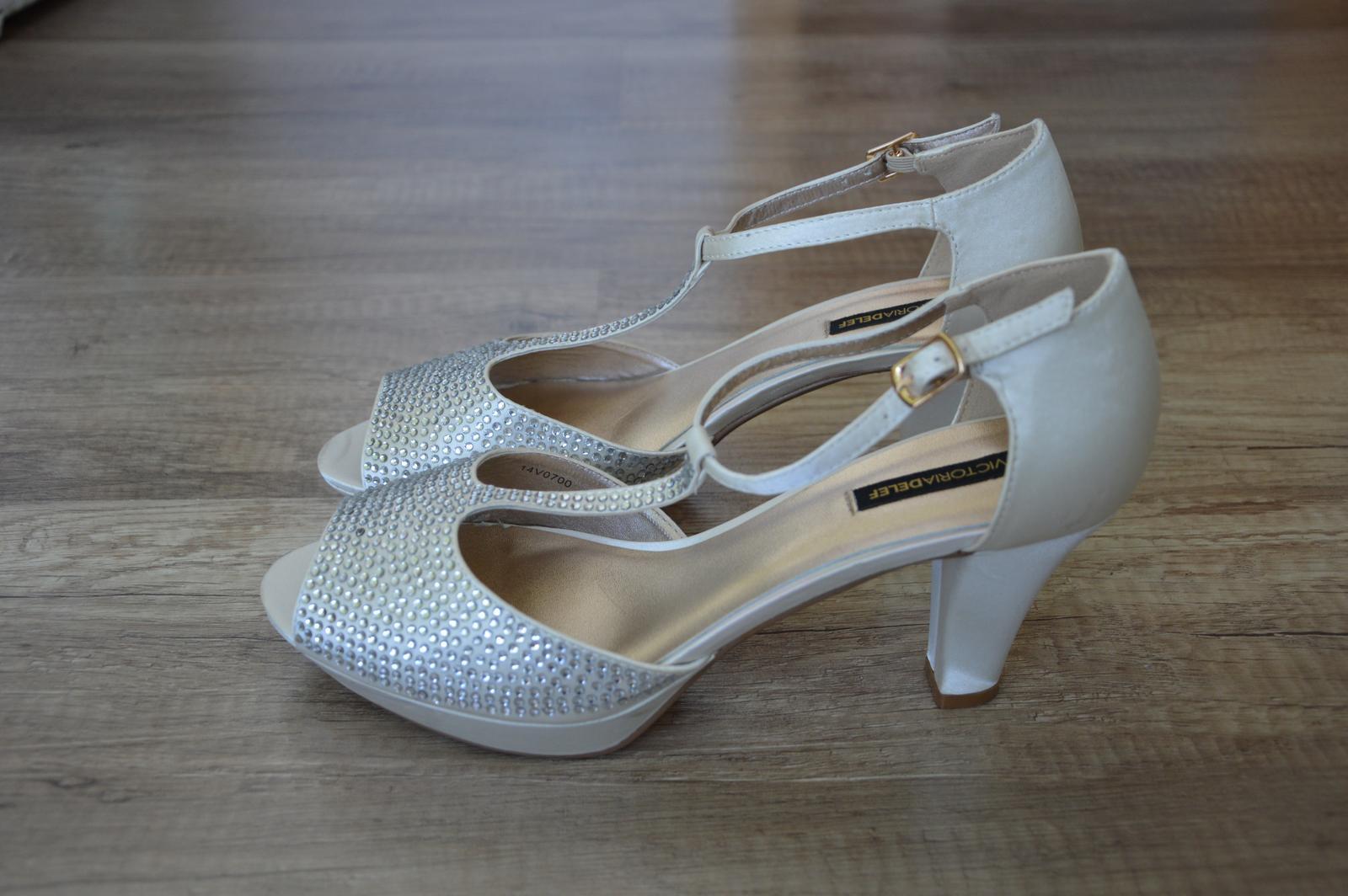 Svatební boty s kamínky - Obrázek č. 1
