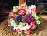 Jarní kytice plná barev