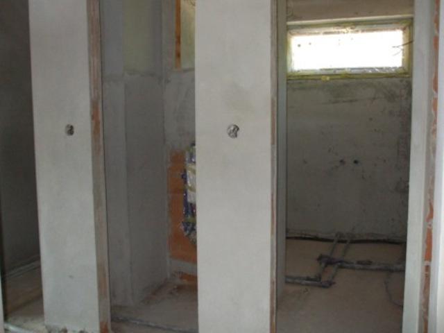 39 - Hotové omietky - WC, kúpelka jún 2010
