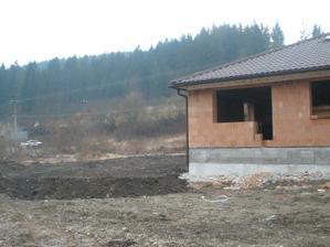 33 -hrubé terénne úpravy (80 tatier) apríl 2010