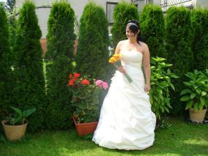 Před odjezdem na zahradě