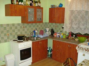 kuchyna.. malicka, ale som jej rada:)