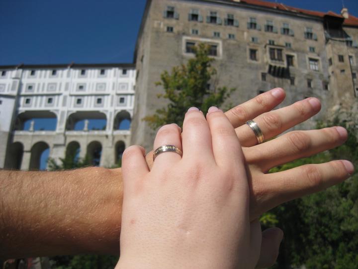 Kristýna{{_AND_}}Milan - první manželský den jsme se snad nejvíc koukali na prstýnky