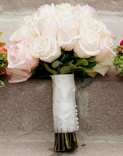 Květiny - bílé růže - tahle se poslala květinářce