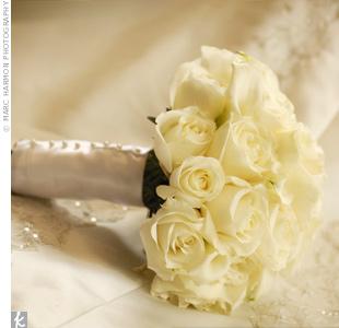 Květiny - bílé růže - tak to bude asi tahle