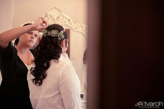 někteří svatebčani si mysleli, že mám příčesek :-) Nemám :-)