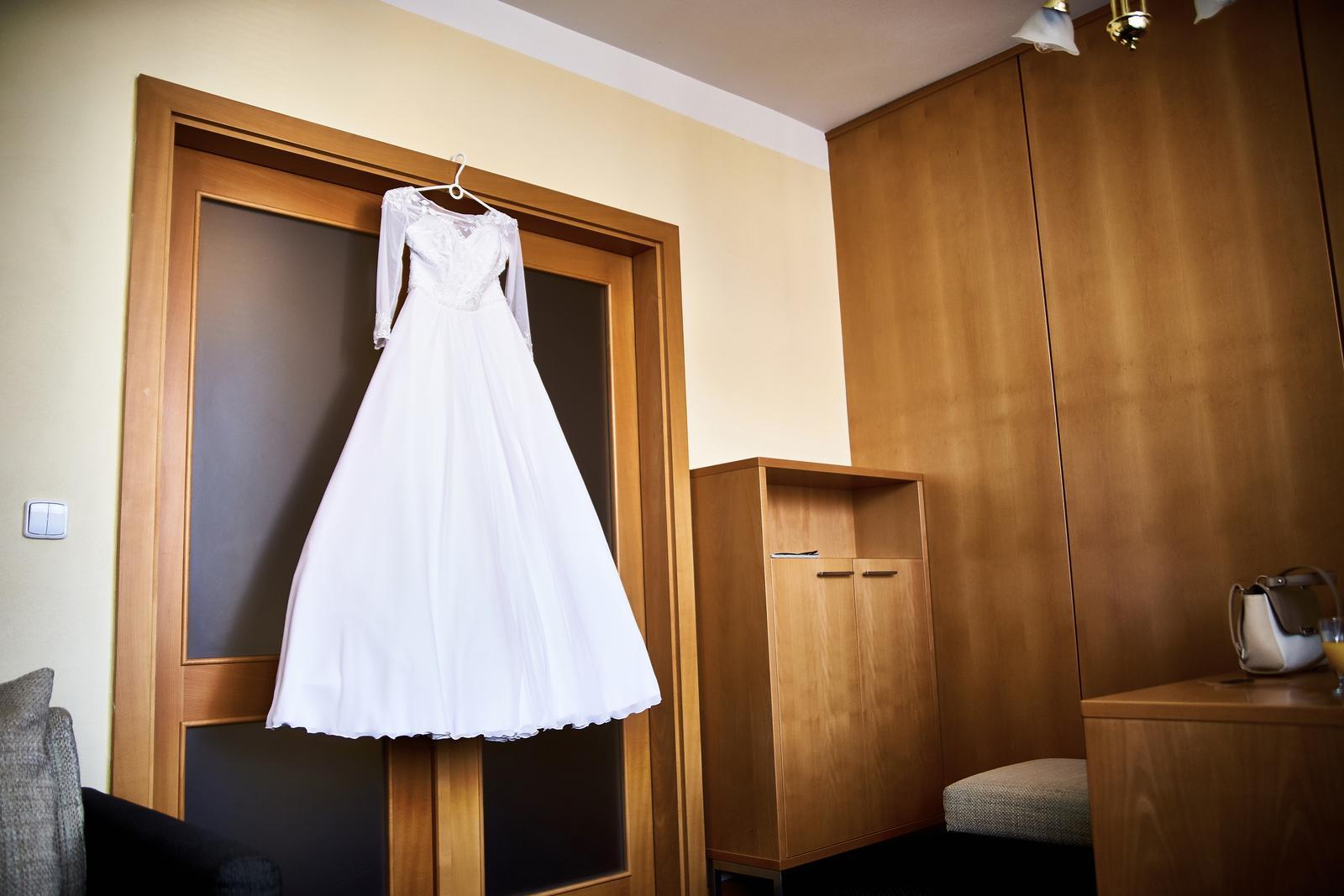 Pohodlné svadobné šaty - Obrázok č. 2