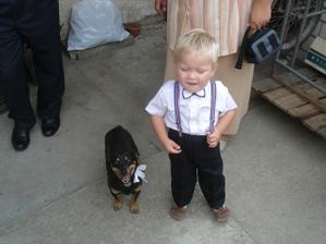 náš pejsek Miša a nejmladší svadebčán Jiři