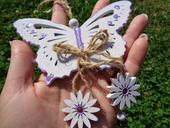 Dřevěný motýl na výzdobu,