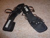 Černé sandály s gumičkami, 42
