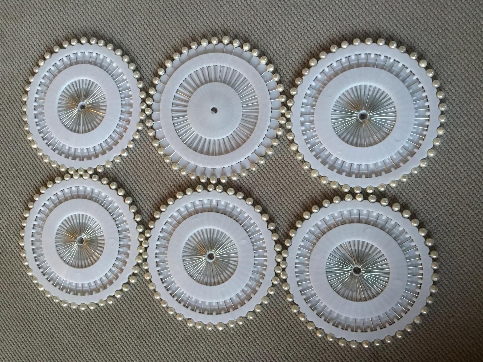 Špendlíky s perleťovou hlavičkou - Obrázek č. 1