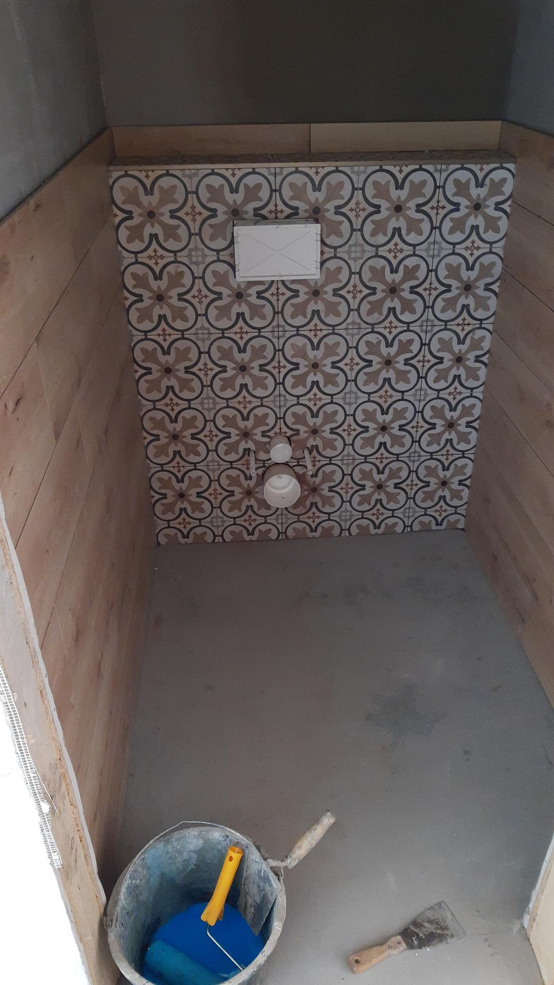 Pomalu ale snad jiste :) - A jedno wc uz temer hotovo.. juchu.. za tyden uz to pry bude kompletka 🙏❤️
