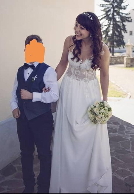 Nádherné svatební šaty - Obrázek č. 1