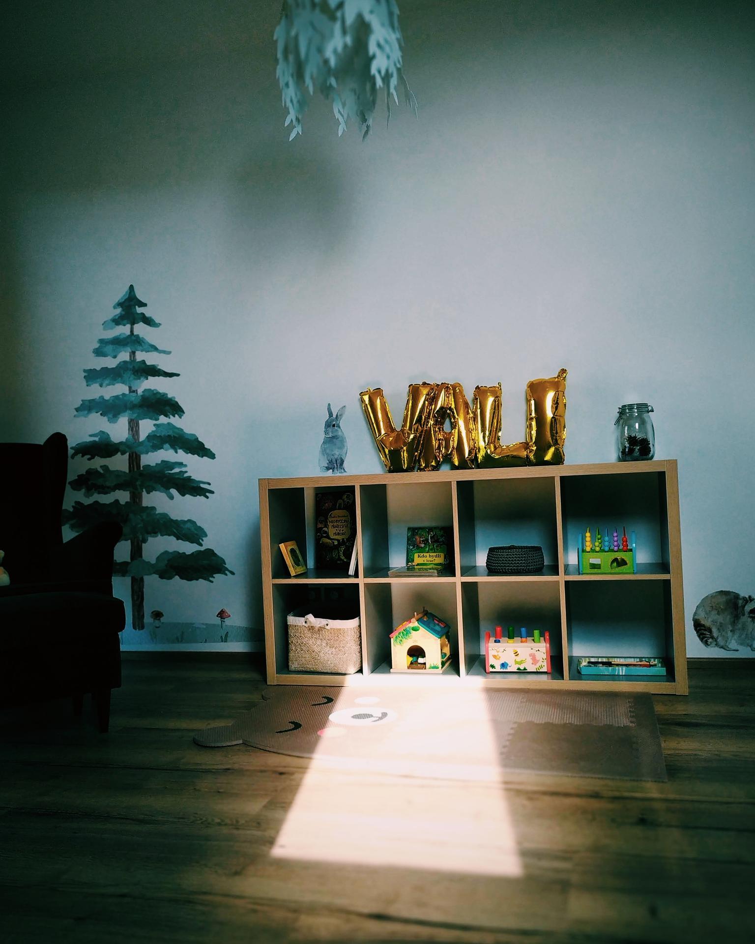Náš domov ve svahu - Kousek z lesního království naší dcery :)
