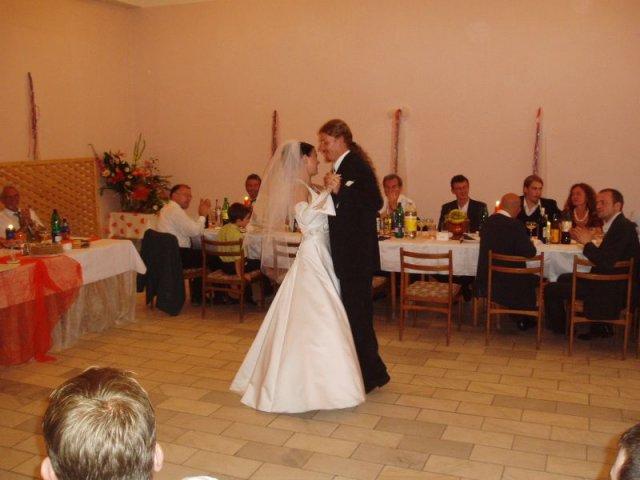 Katarína{{_AND_}}Peter - prvý svadobný tanec