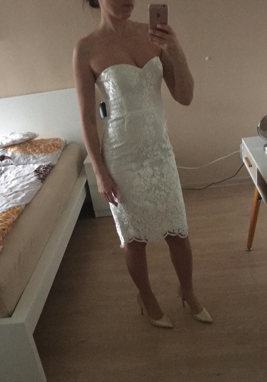 čipkované biele spoločenské šaty - Obrázok č. 1