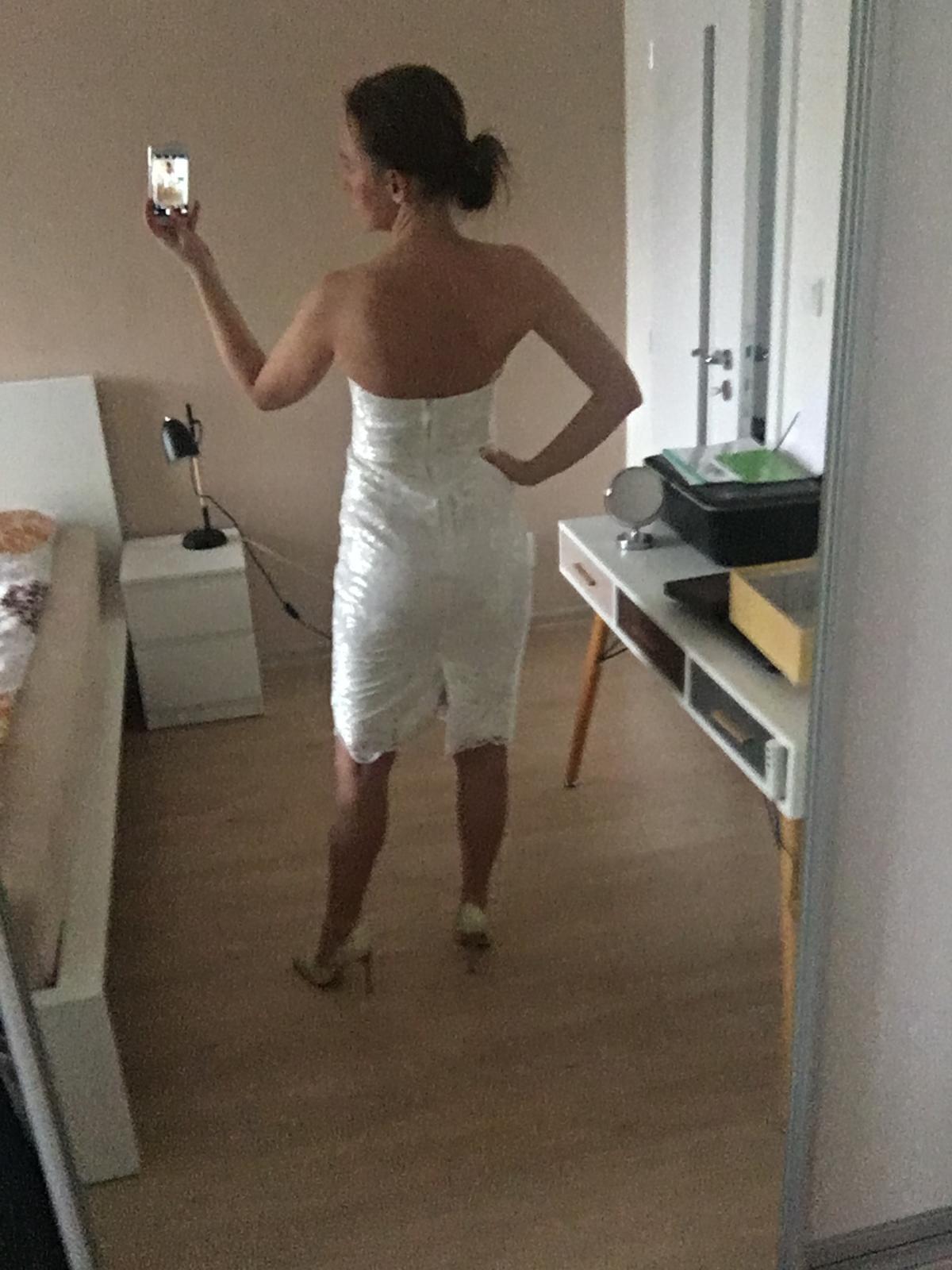 čipkované biele spoločenské šaty - Obrázok č. 2