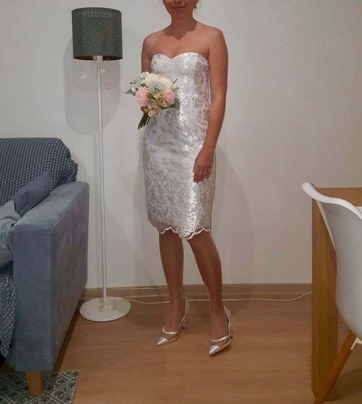 čipkované biele spoločenské šaty - Obrázok č. 3