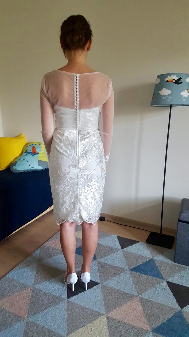čipkované biele spoločenské šaty - Obrázok č. 4