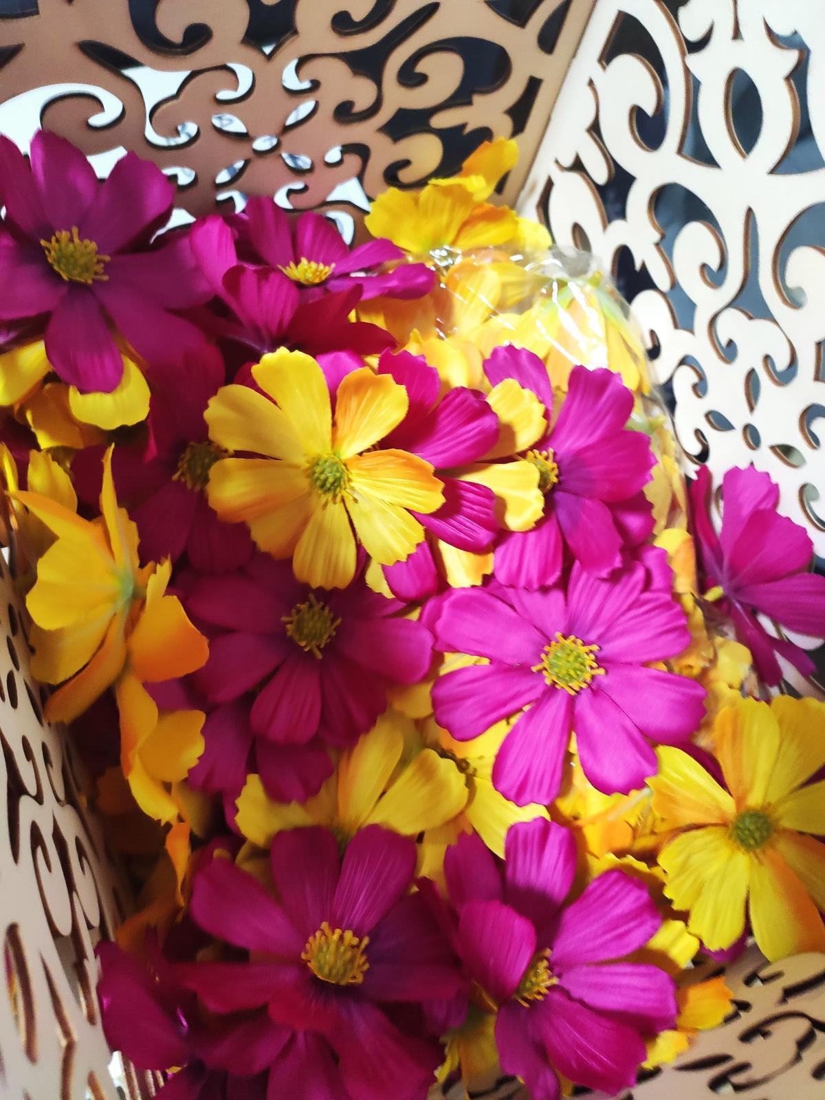 Umělé květy růžová nebo žlutá - Obrázek č. 1