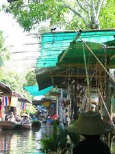 jedna foto z plovoucího trhu