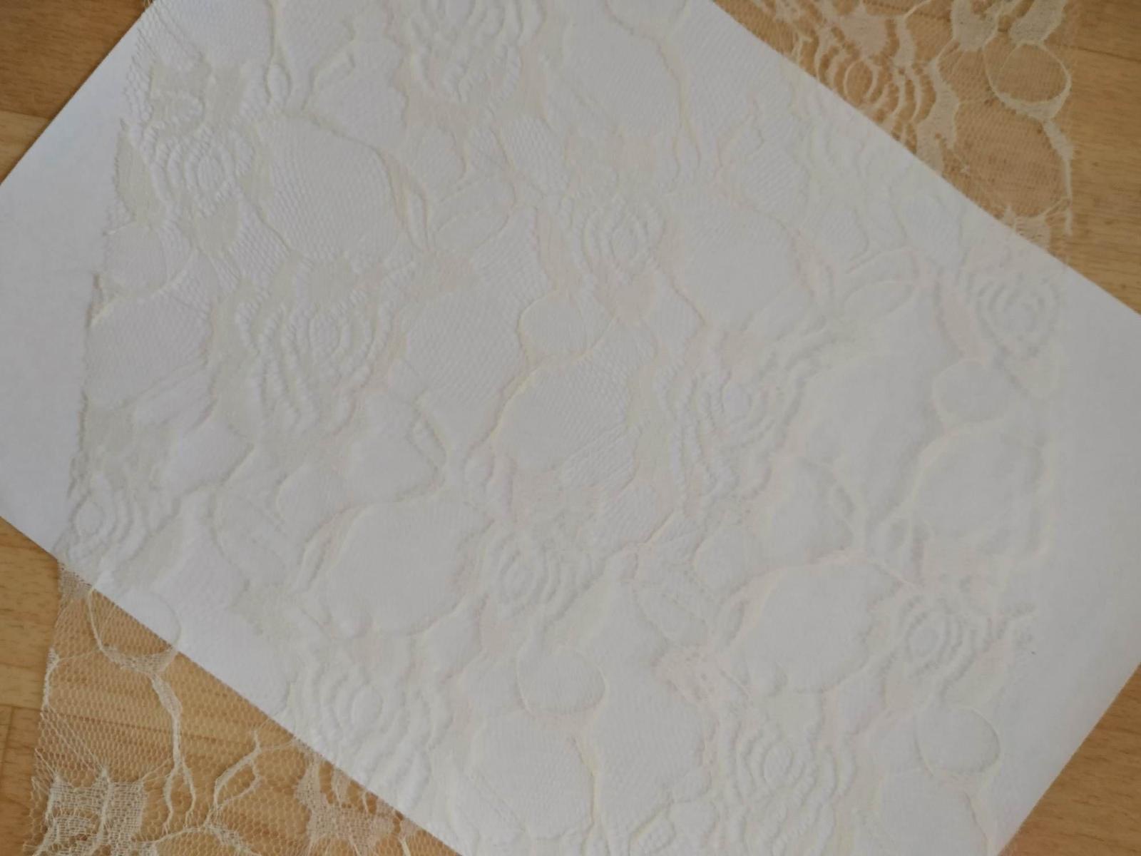 Krajkový běhoun na stůl 34,2 metrů - Obrázek č. 1