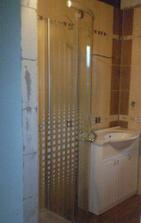 kúpelka už aj so sprchovým kútom