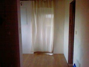 zatiaľ bez dverí, ale dočane predsa vyriešené...