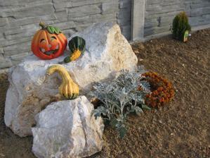 jesenná dekorácia na dvorečku