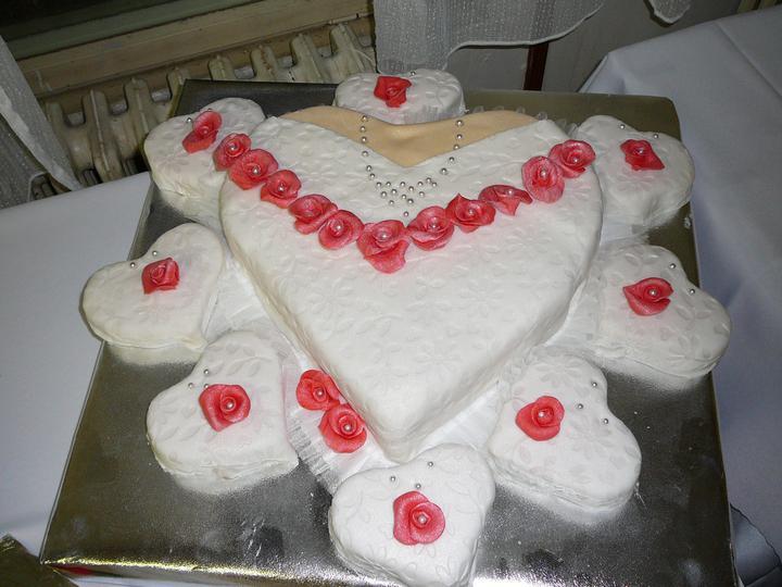 R+M = 18.06.2011... alebo predstava vs realita - torta za nevestu