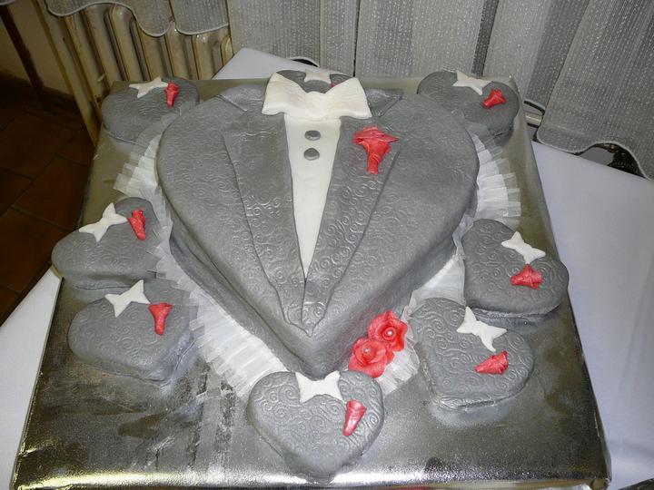 R+M = 18.06.2011... alebo predstava vs realita - torta za ženícha