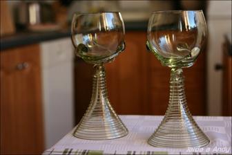 Už je máme doma, budeme si z nich připíjet u svatebního stolu.