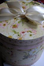 První zakoupená věc - krabička na svatební dary