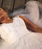 Zostihlujuce svadobne saty, 36