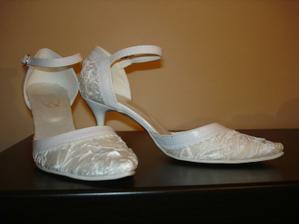 Moje svadobné topánky :)...veľmi pohodlné
