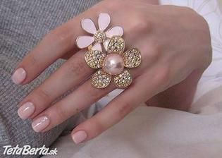 ten prsteň je úžasný :o)