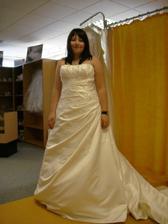 to jsem já a moje krásné šaty :)
