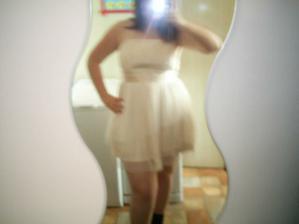 lepší foto šatů na mě, ale lépe to mim foťákem bohužel nejde..