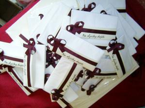 kapesníčky pro polovinu svatebčanů :)