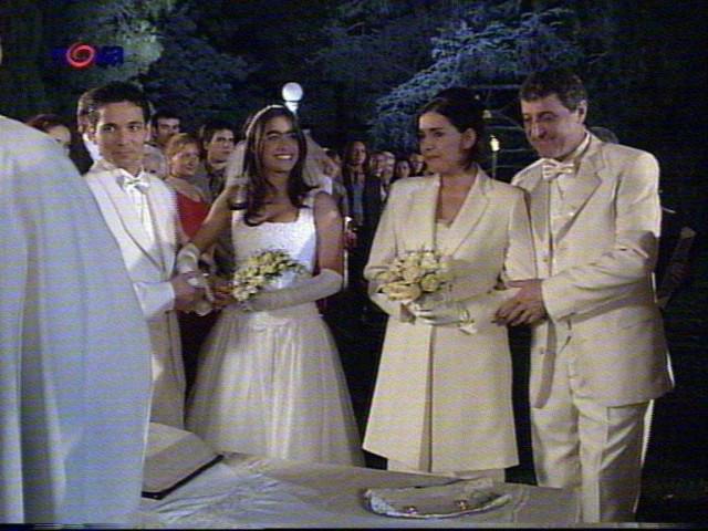 Svatby z filmů :) - prominte kvalitu ale je to z Divolého anděla