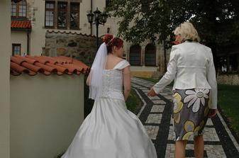 Honem se schovat, aby mě ženich viděl až před oltářem... :-)
