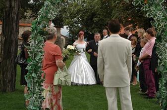 Kdybyste viděli ten pohled ženicha! Bylo to tak romantické!