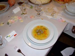 Polévka byla svatební klasika