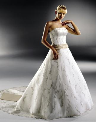 Najkrajšie svadobné šatičky - Obrázok č. 32