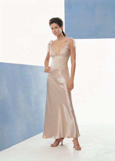 Najkrajšie Popolnočné plesové šaty :) + najkrajšie botičky - Obrázok č. 13