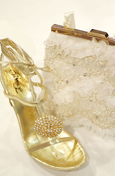 Najkrajšie Popolnočné plesové šaty :) + najkrajšie botičky - no comment, nemám slov...:)